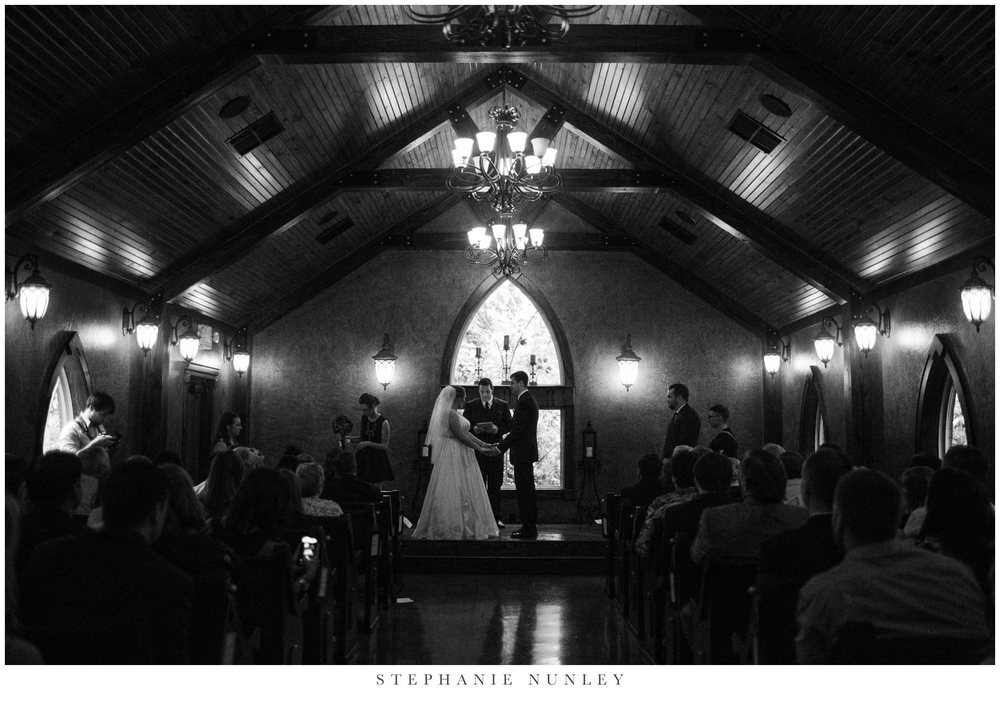 st-anthonys-chapel-on-the-creek-wedding-photos-0014.jpg