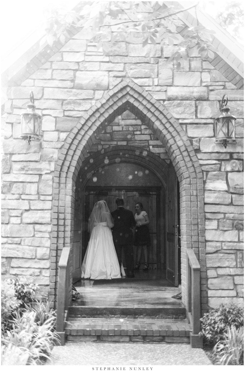 st-anthonys-chapel-on-the-creek-wedding-photos-0013.jpg