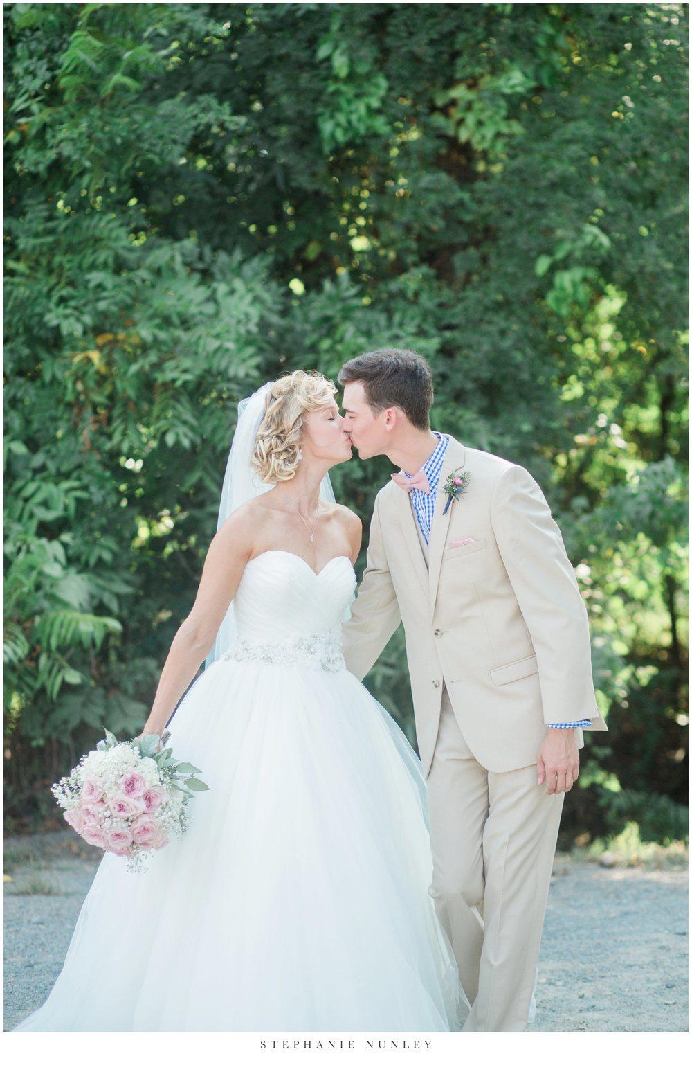 bobrook-farms-arkansas-wedding-photos-0030.jpg