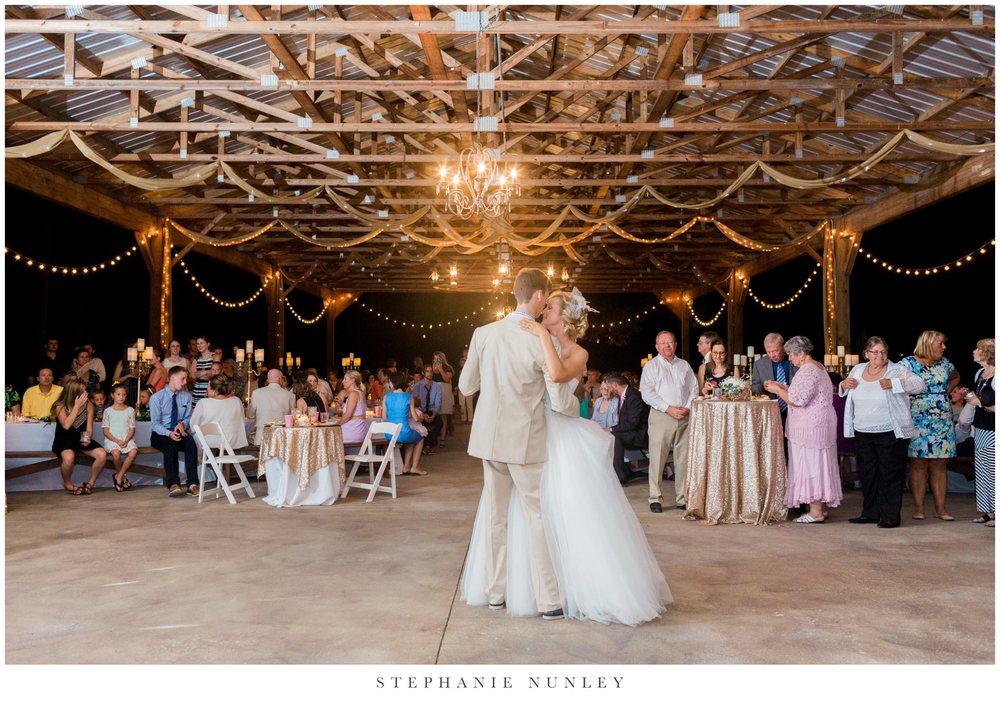 bobrook-farms-arkansas-wedding-photos-0075.jpg