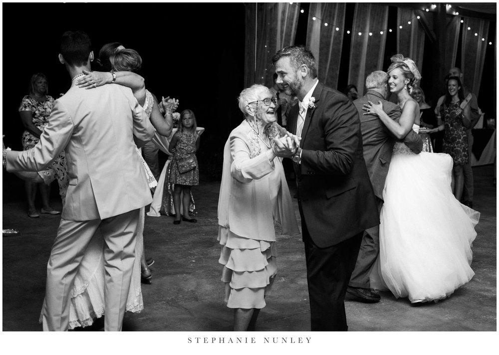 bobrook-farms-arkansas-wedding-photos-0078.jpg