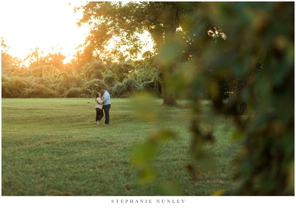 classic-engagement-session-in-a-field-0014.jpg