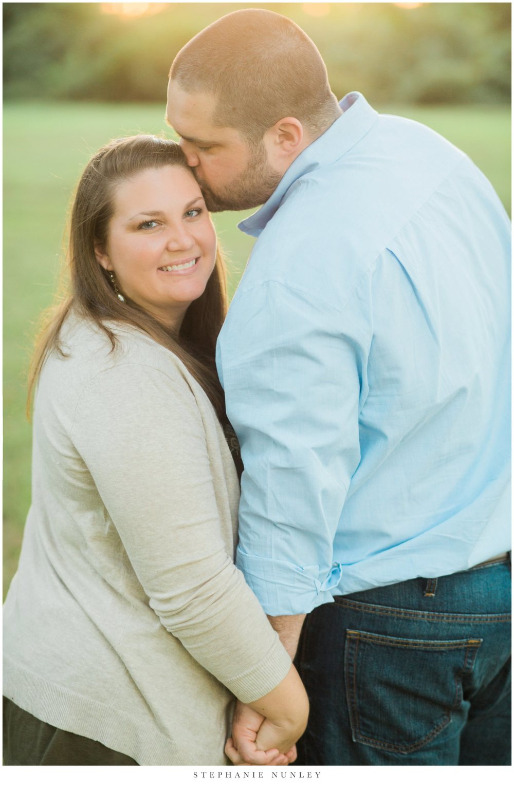 classic-engagement-session-in-a-field-0016.jpg