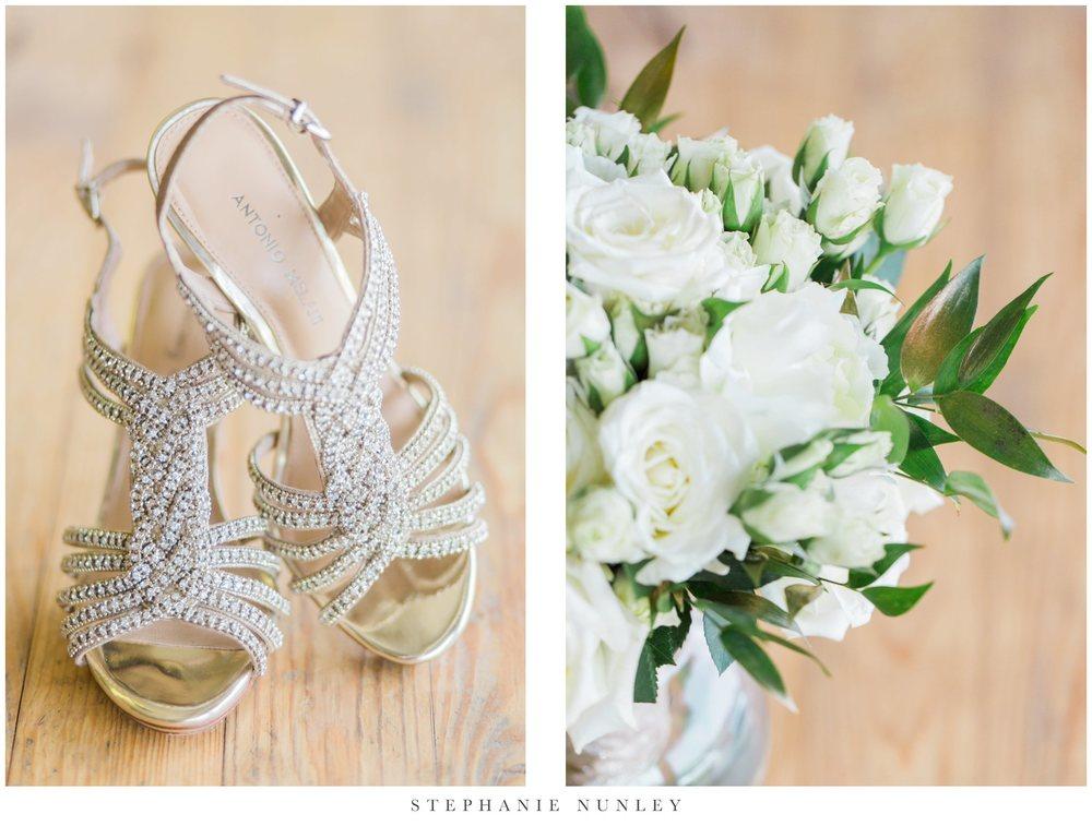 gold-and-white-arkansas-wedding-photos-003
