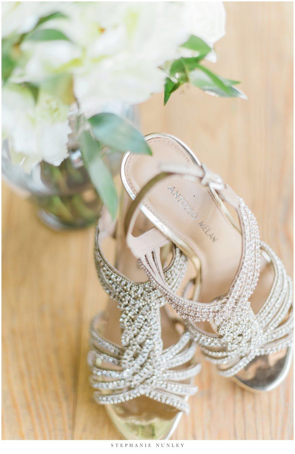 gold-and-white-arkansas-wedding-photos-001