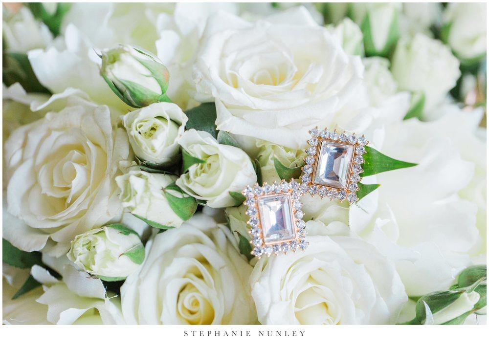 gold-and-white-arkansas-wedding-photos-004
