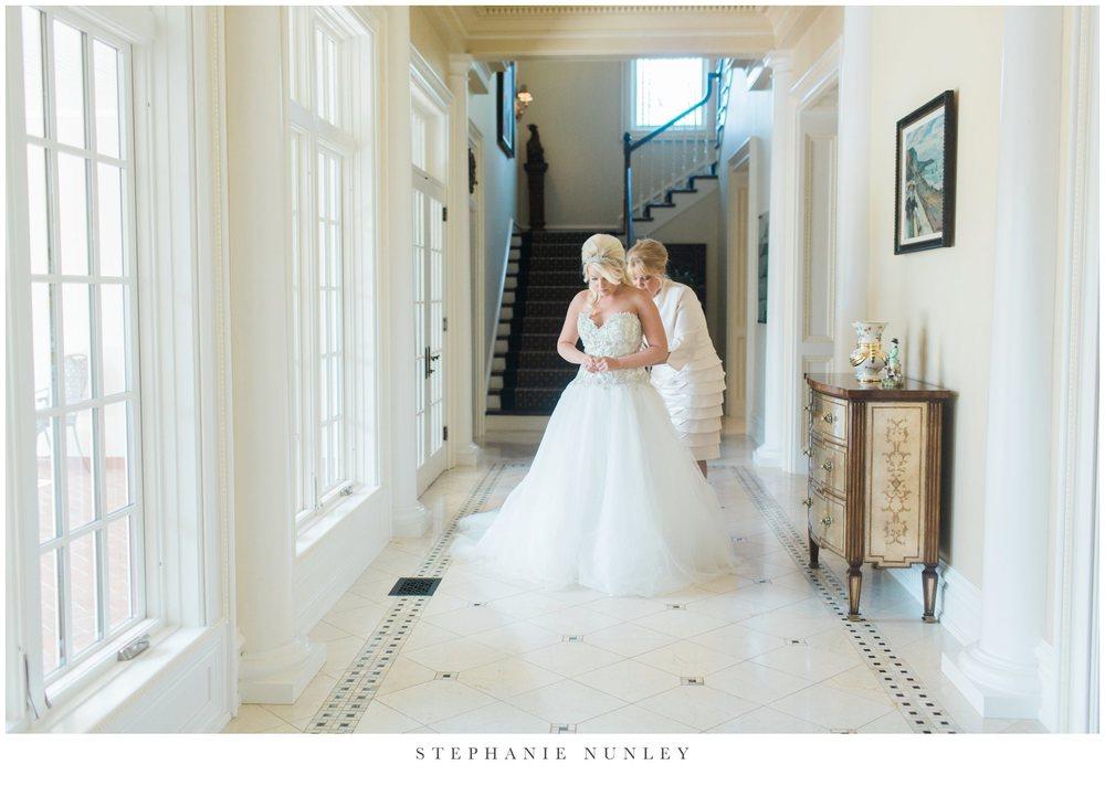 gold-and-white-arkansas-wedding-photos-009