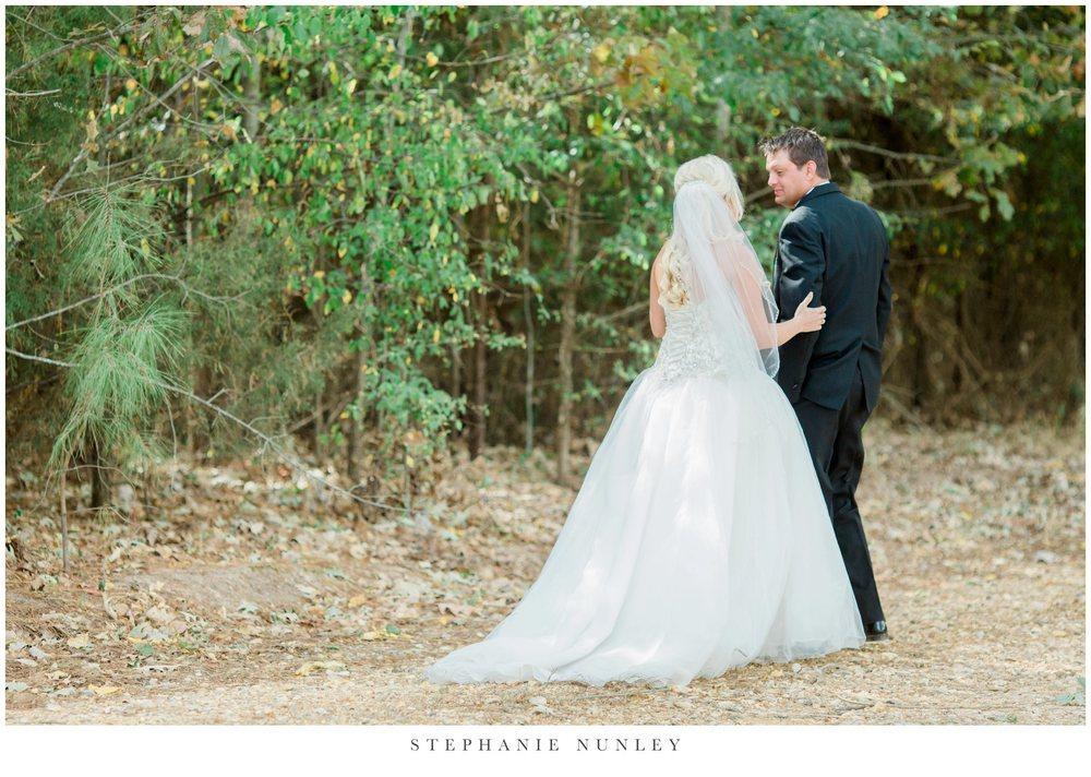 gold-and-white-arkansas-wedding-photos-012