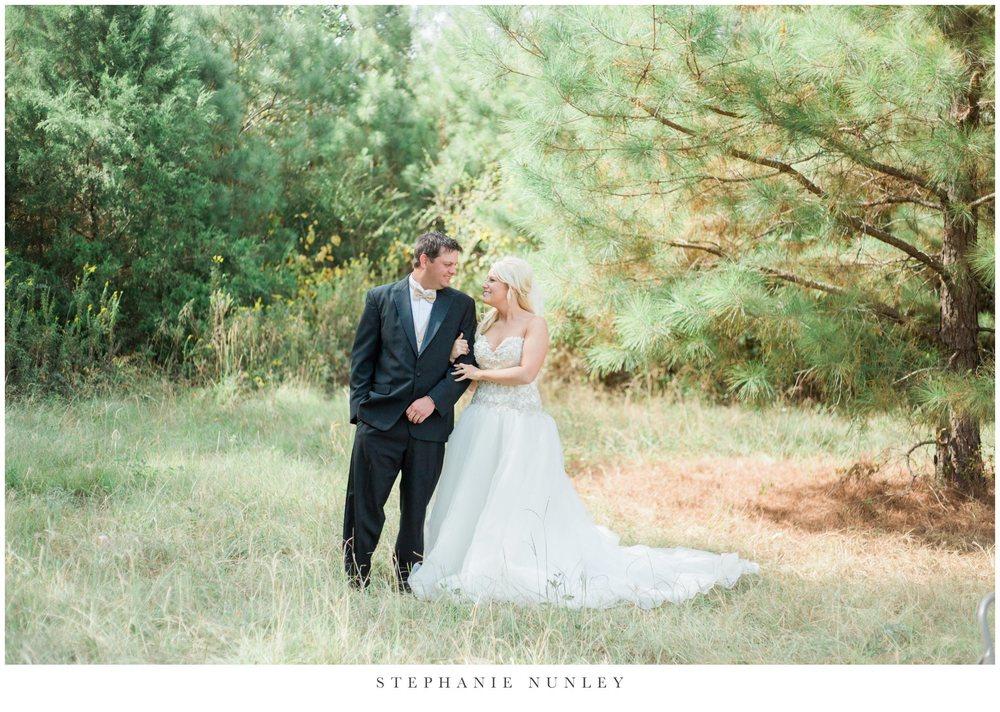 gold-and-white-arkansas-wedding-photos-015