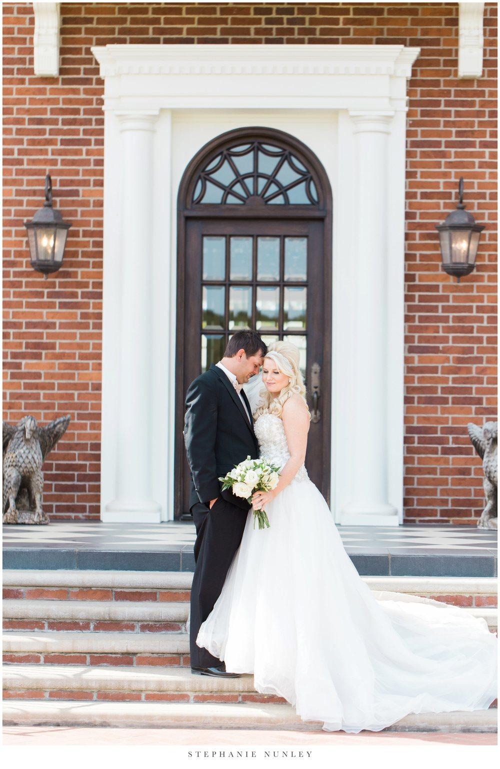gold-and-white-arkansas-wedding-photos-019