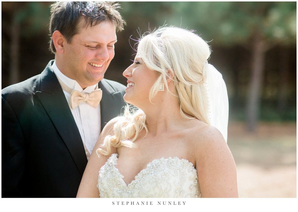 gold-and-white-arkansas-wedding-photos-021