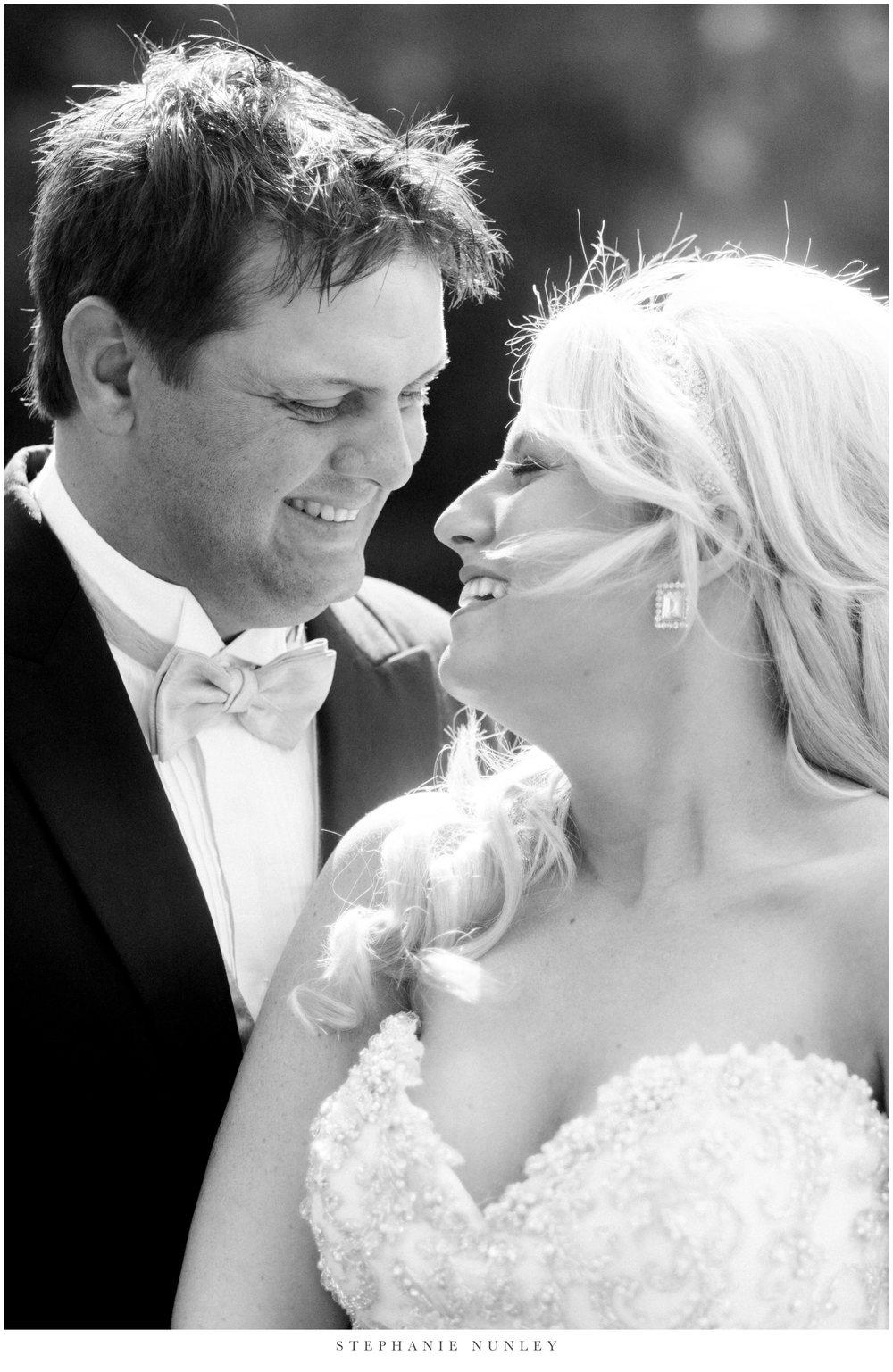 gold-and-white-arkansas-wedding-photos-018