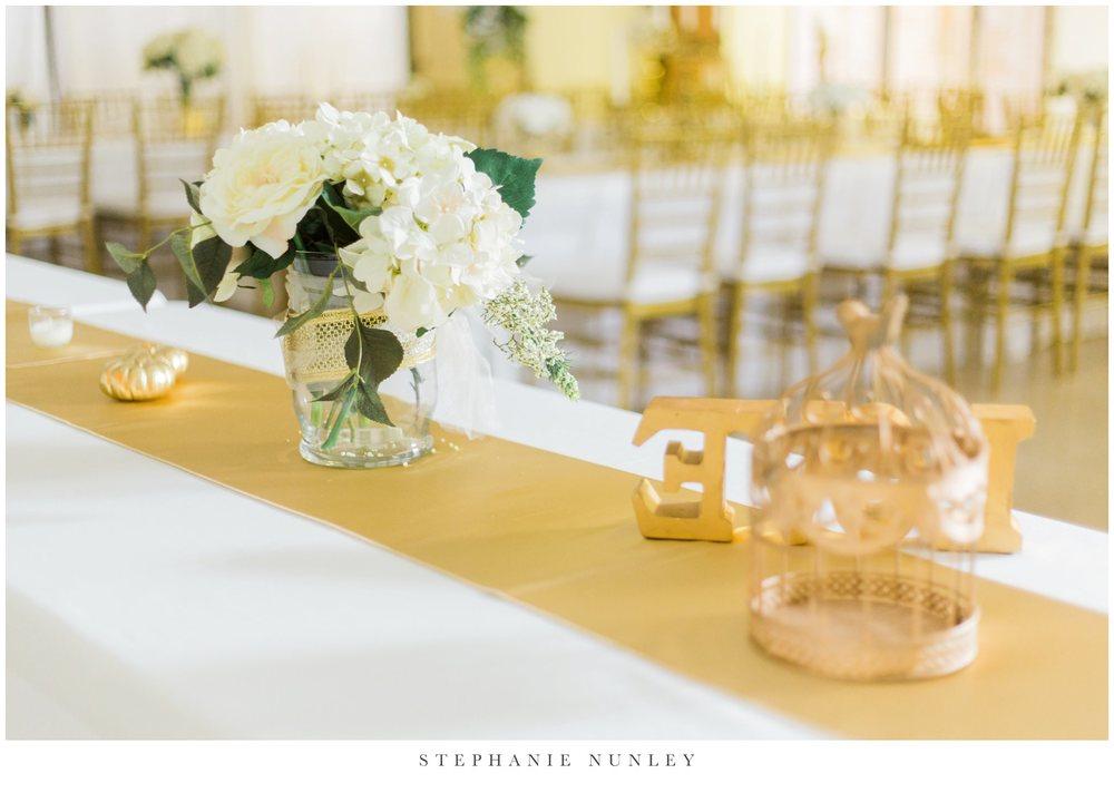 gold-and-white-arkansas-wedding-photos-030