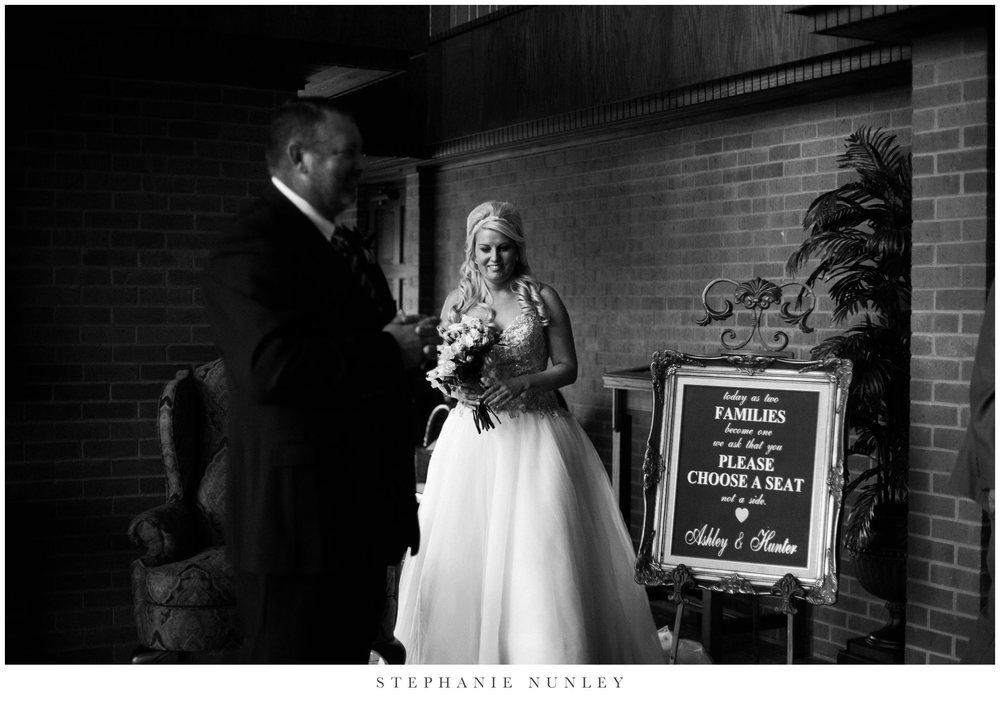gold-and-white-arkansas-wedding-photos-024