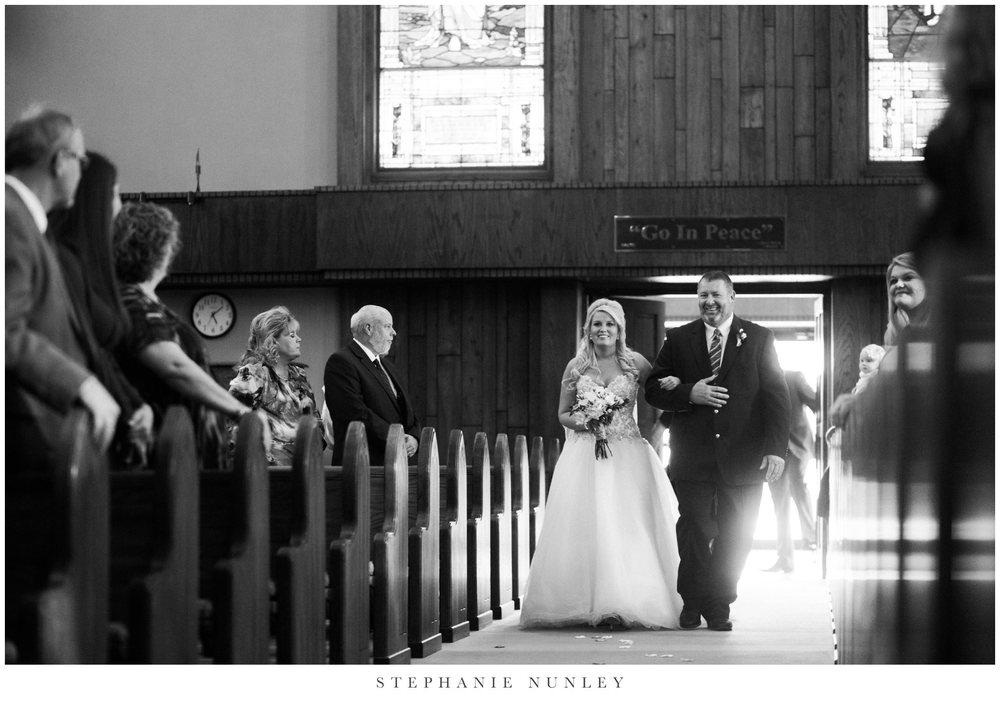 gold-and-white-arkansas-wedding-photos-025