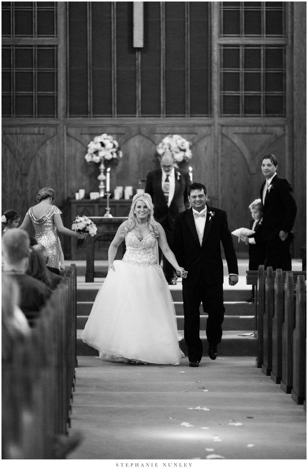gold-and-white-arkansas-wedding-photos-027