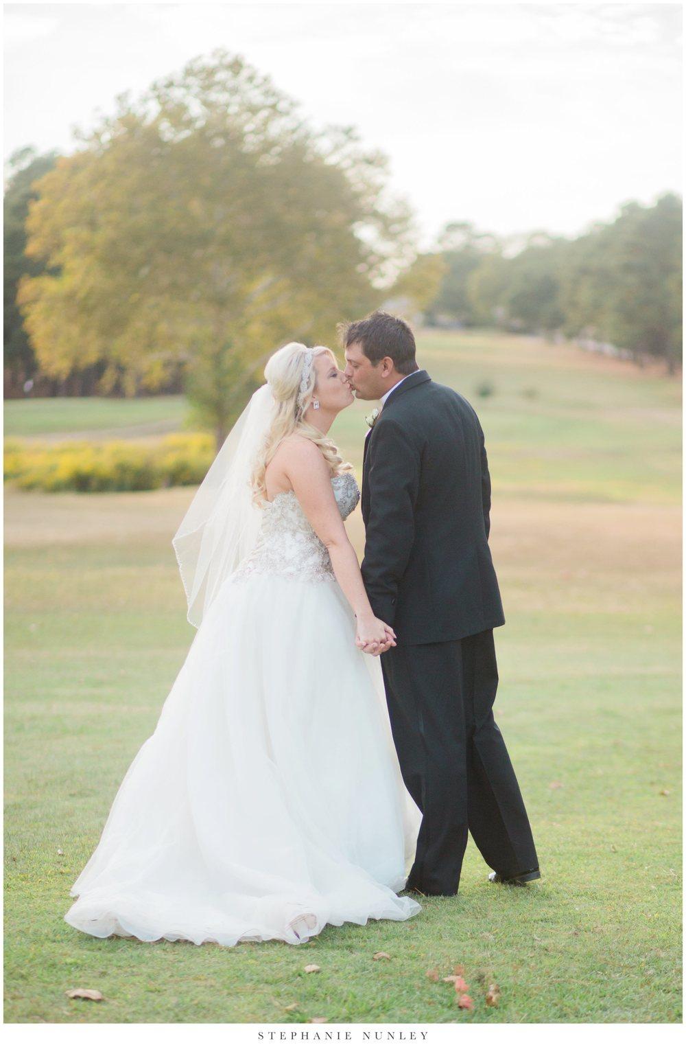 gold-and-white-arkansas-wedding-photos-036