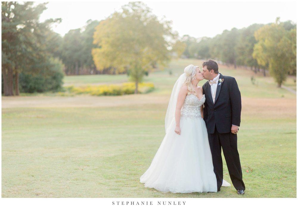gold-and-white-arkansas-wedding-photos-038