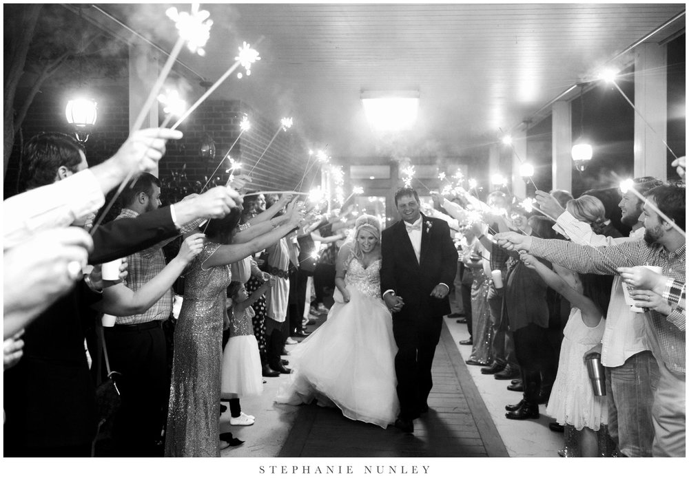 gold-and-white-arkansas-wedding-photos-041
