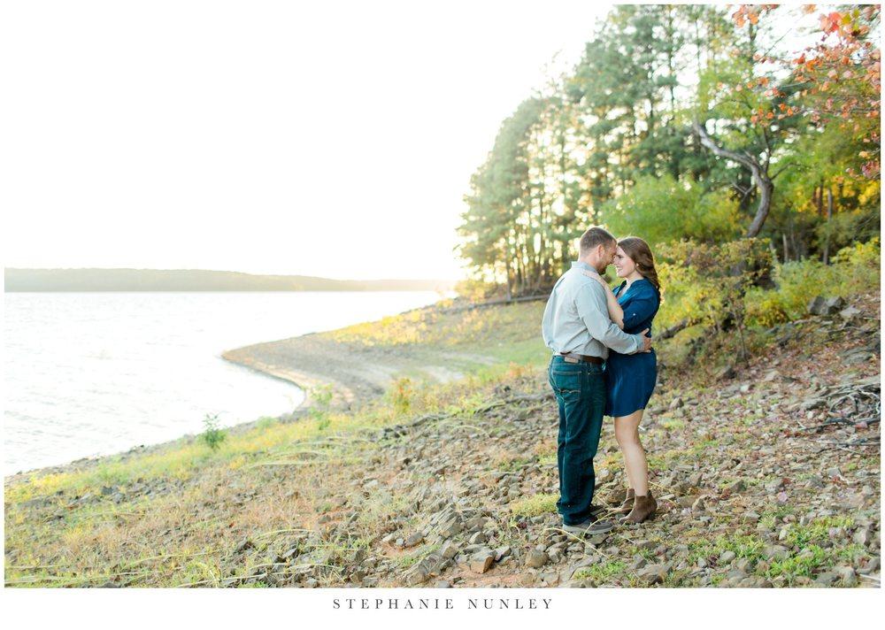 arkansas-sunset-lake-engagement-photos-0013.jpg