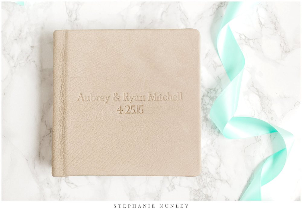 white-leather-wedding-album-photos-0006.jpg