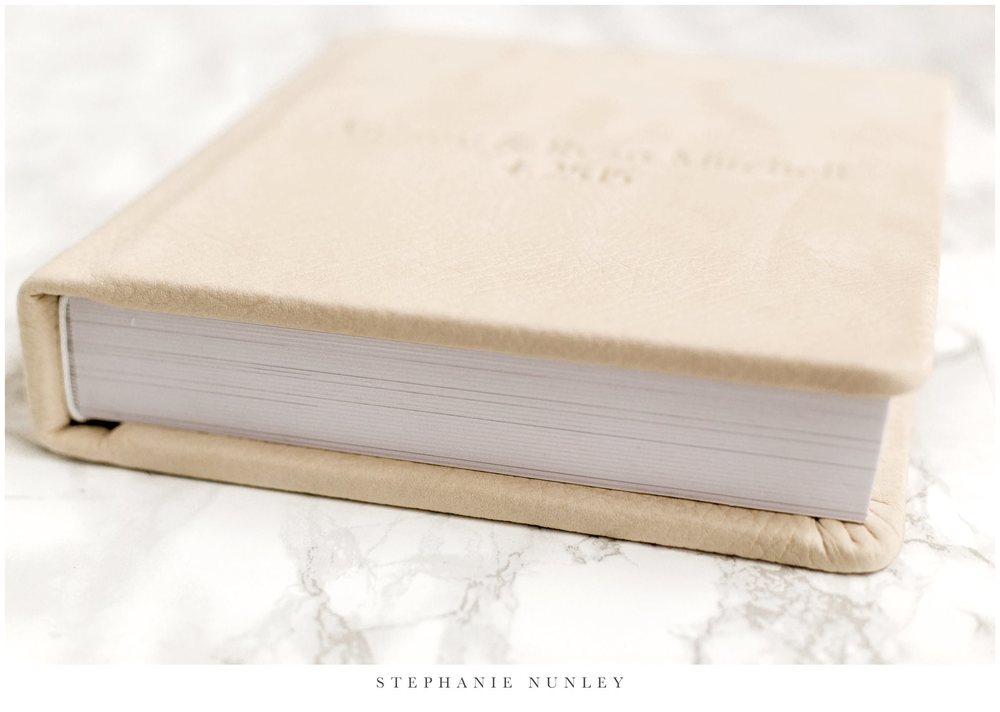 white-leather-wedding-album-photos-0002.jpg