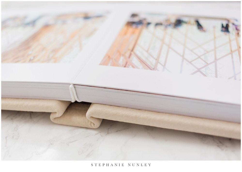 white-leather-wedding-album-photos-0005.jpg