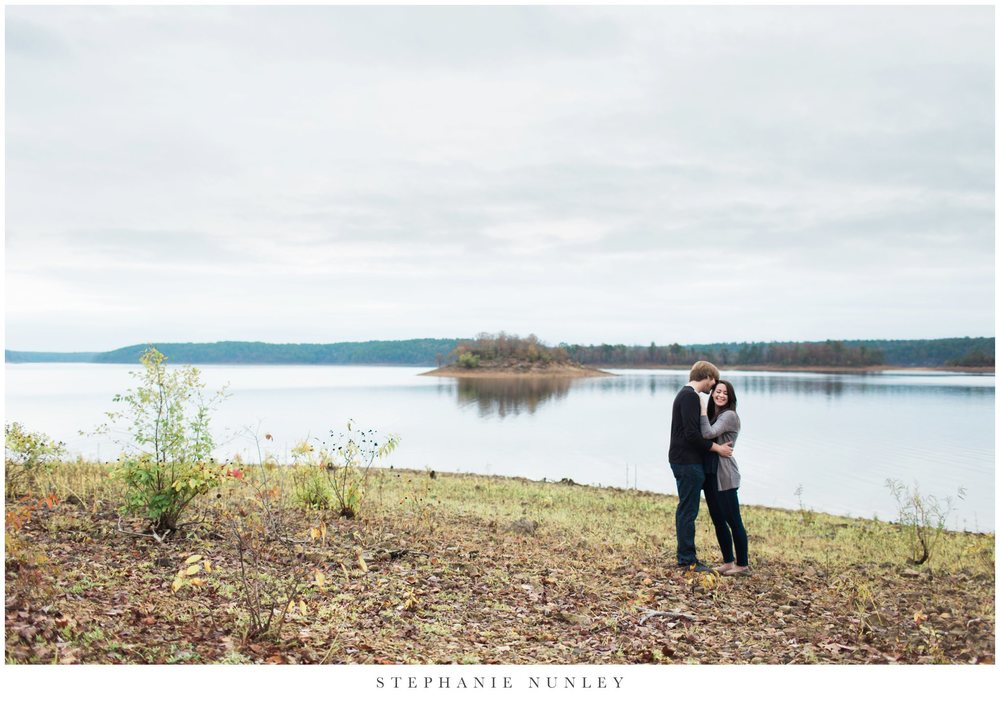 romantic-arkansas-lakeside-engagement-photos-0001.jpg