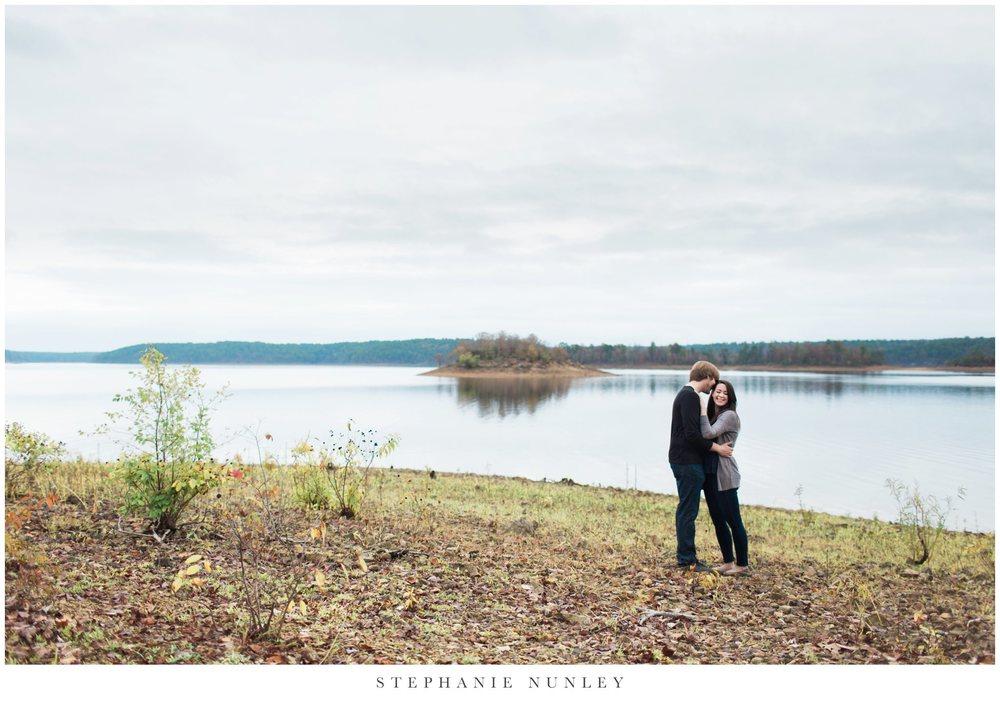 romantic-arkansas-lakeside-engagement-photos-0001.jpg