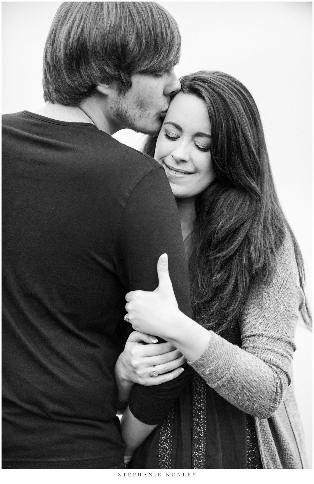 romantic-arkansas-lakeside-engagement-photos-0015.jpg