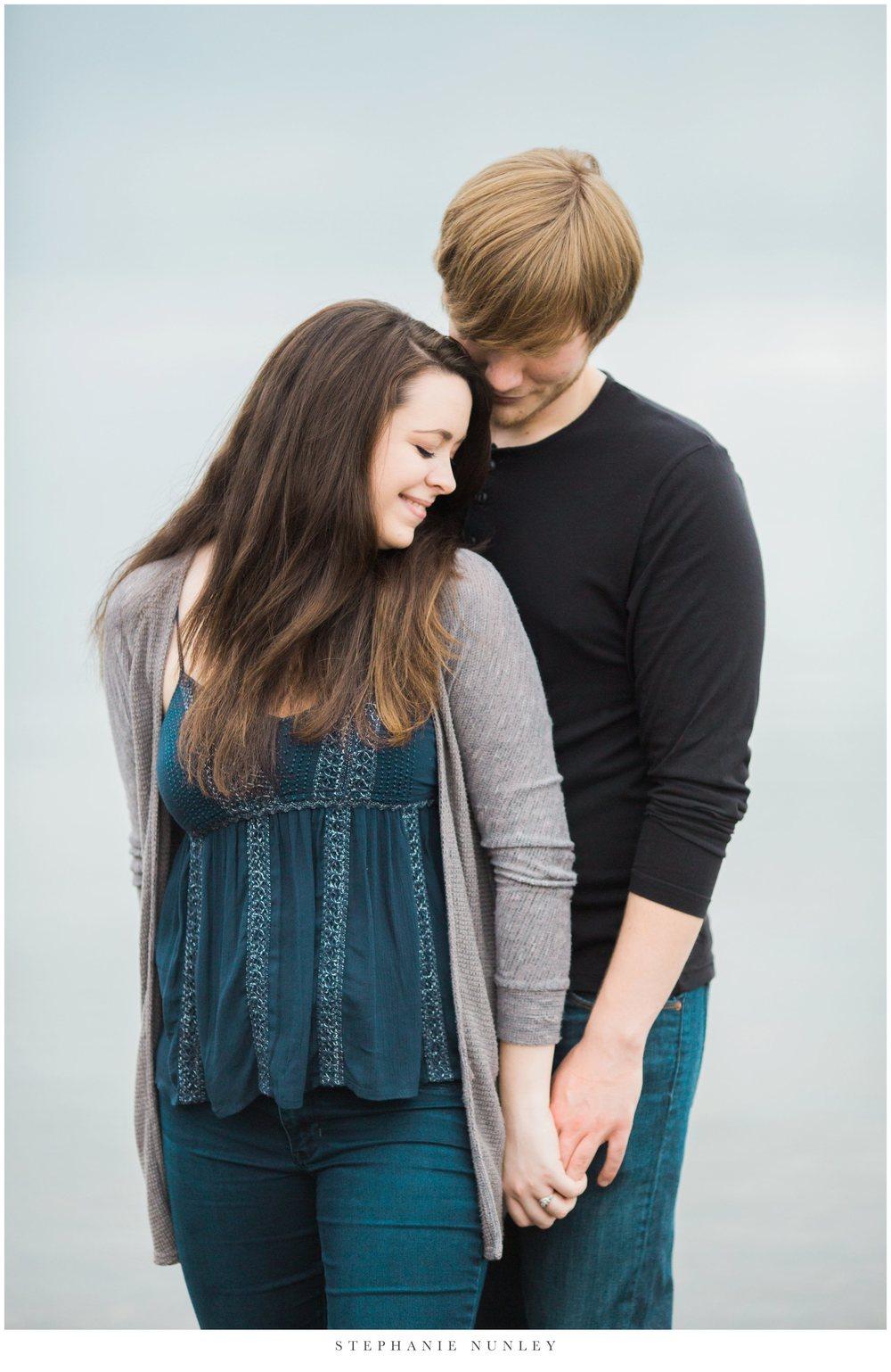 romantic-arkansas-lakeside-engagement-photos-0016.jpg