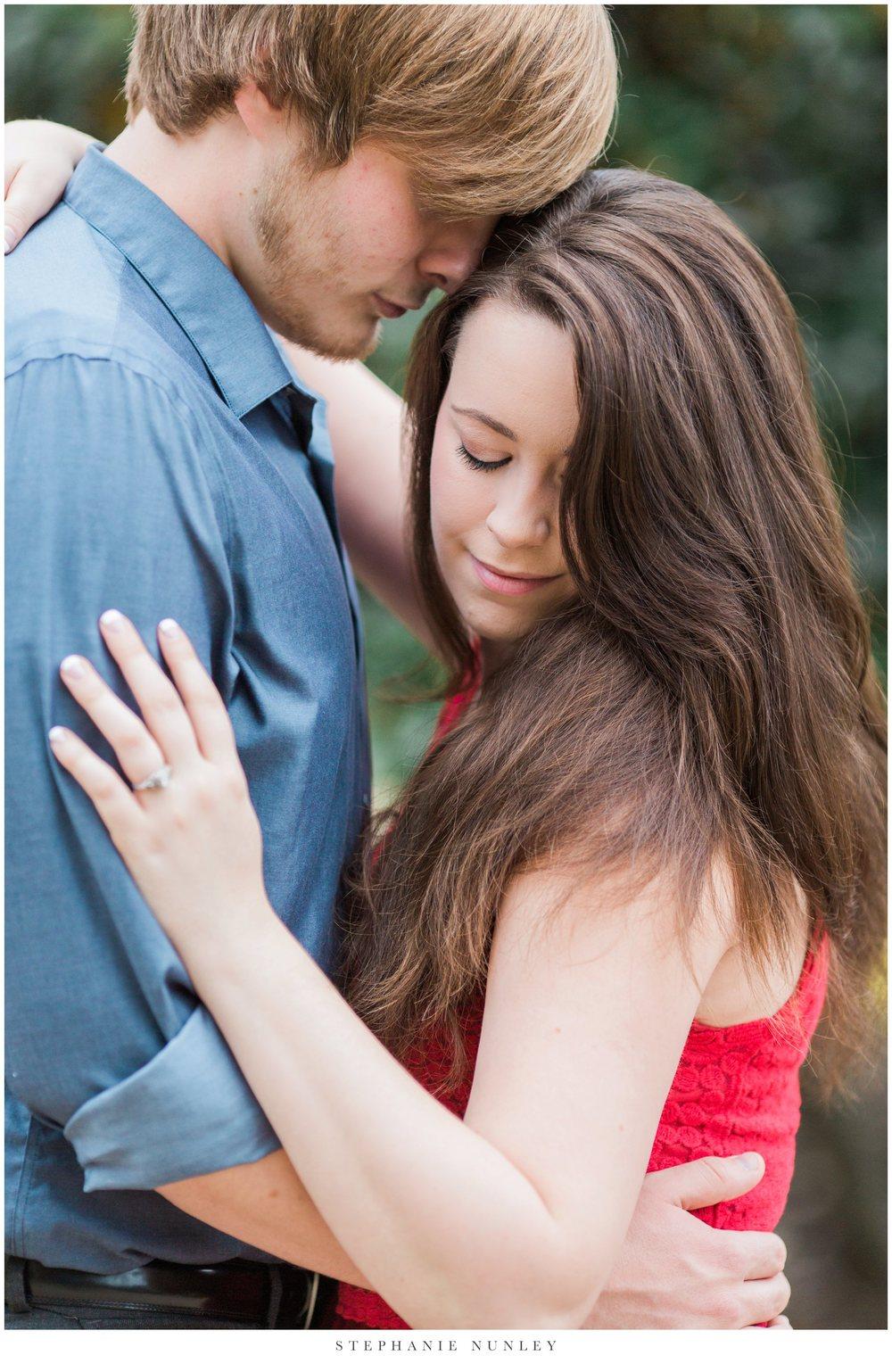 romantic-arkansas-lakeside-engagement-photos-0020.jpg