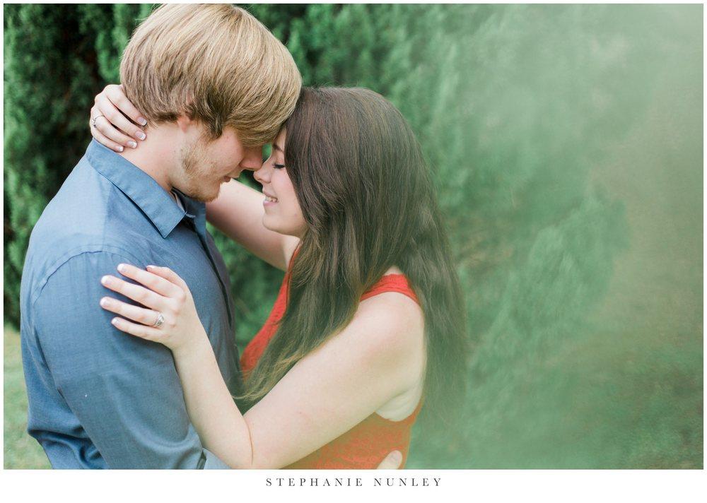 romantic-arkansas-lakeside-engagement-photos-0023.jpg