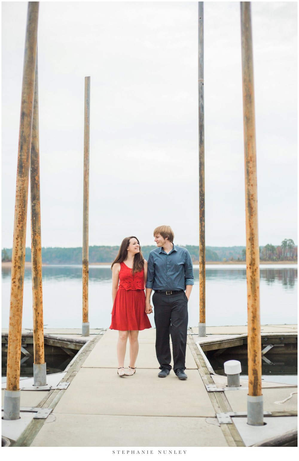 romantic-arkansas-lakeside-engagement-photos-0024.jpg