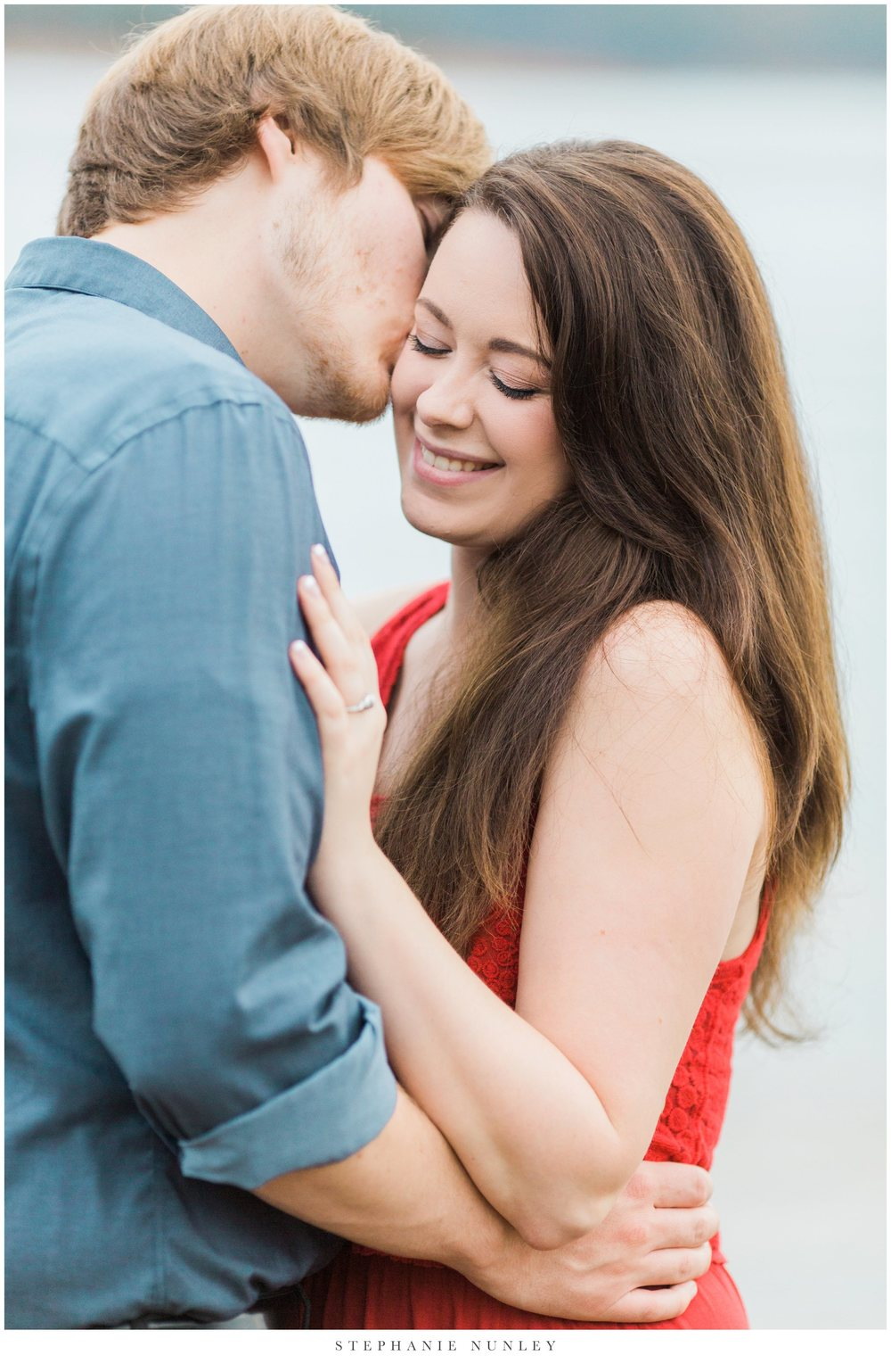 romantic-arkansas-lakeside-engagement-photos-0033.jpg