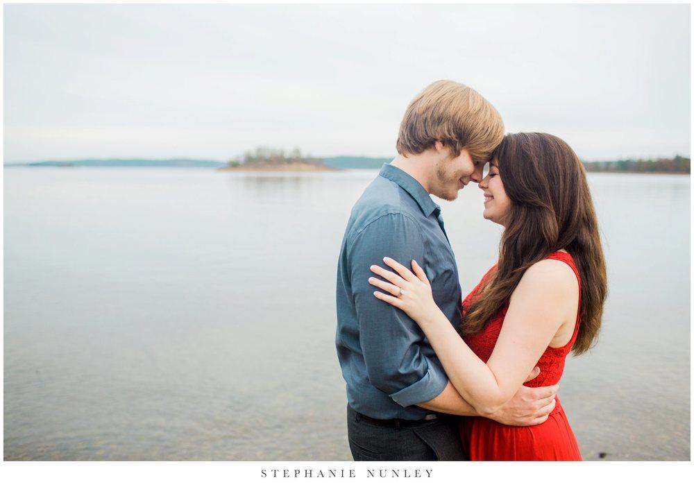 romantic-arkansas-lakeside-engagement-photos-0036.jpg