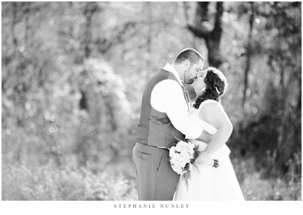royal-ridge-forest-creek-barn-wedding-photos-0036.jpg