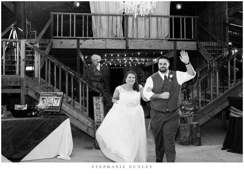 royal-ridge-forest-creek-barn-wedding-photos-0087.jpg