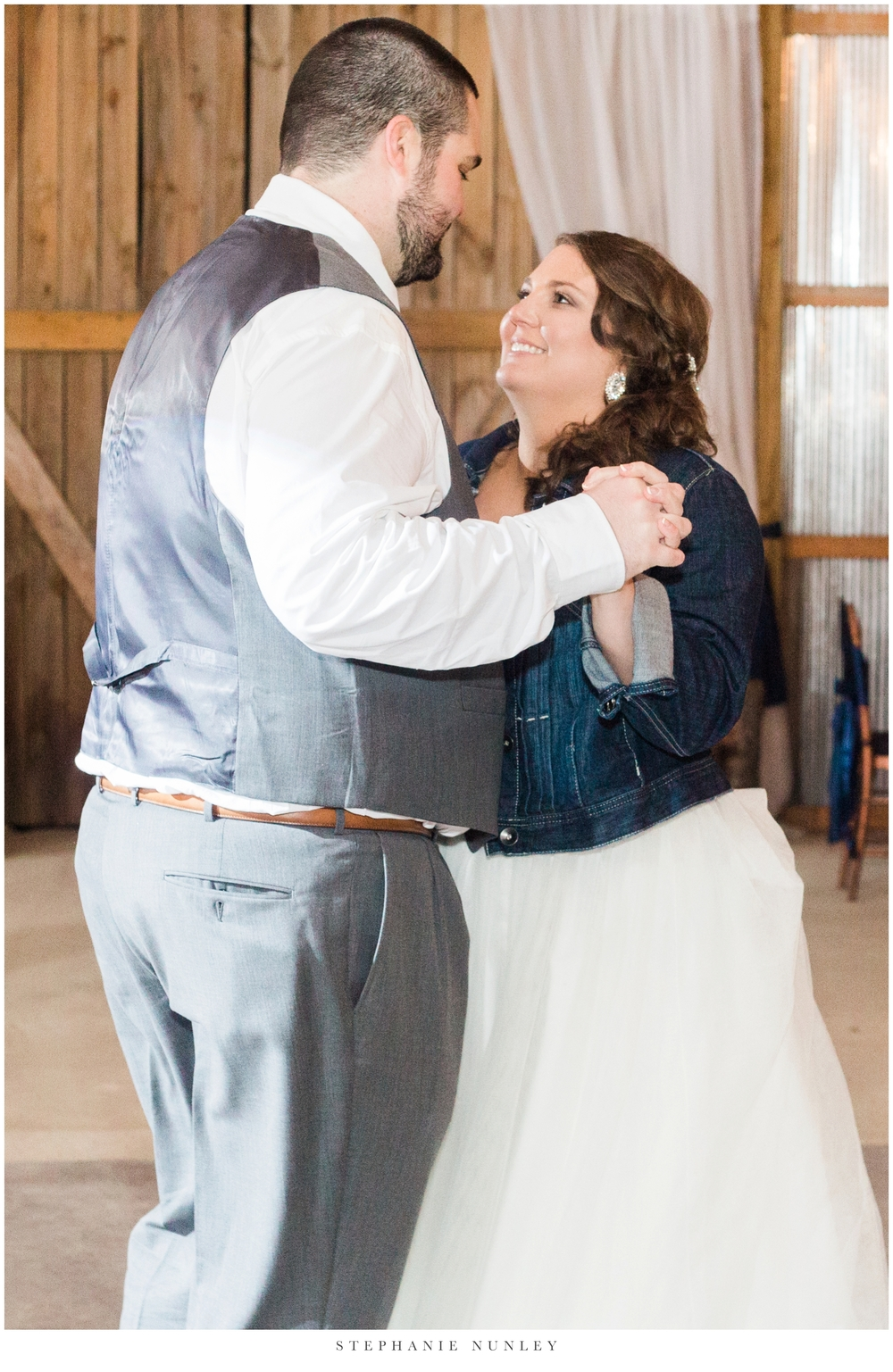 royal-ridge-forest-creek-barn-wedding-photos-0094.jpg