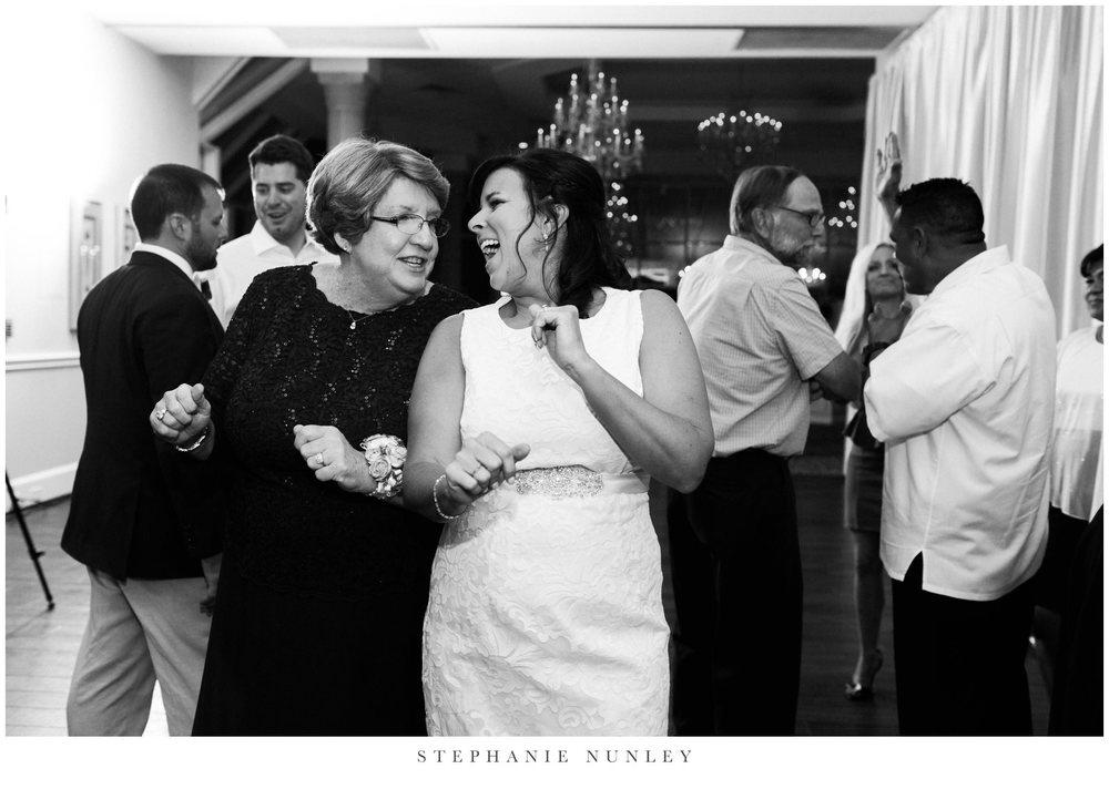 glass-chapel-wedding-photos-0111.jpg