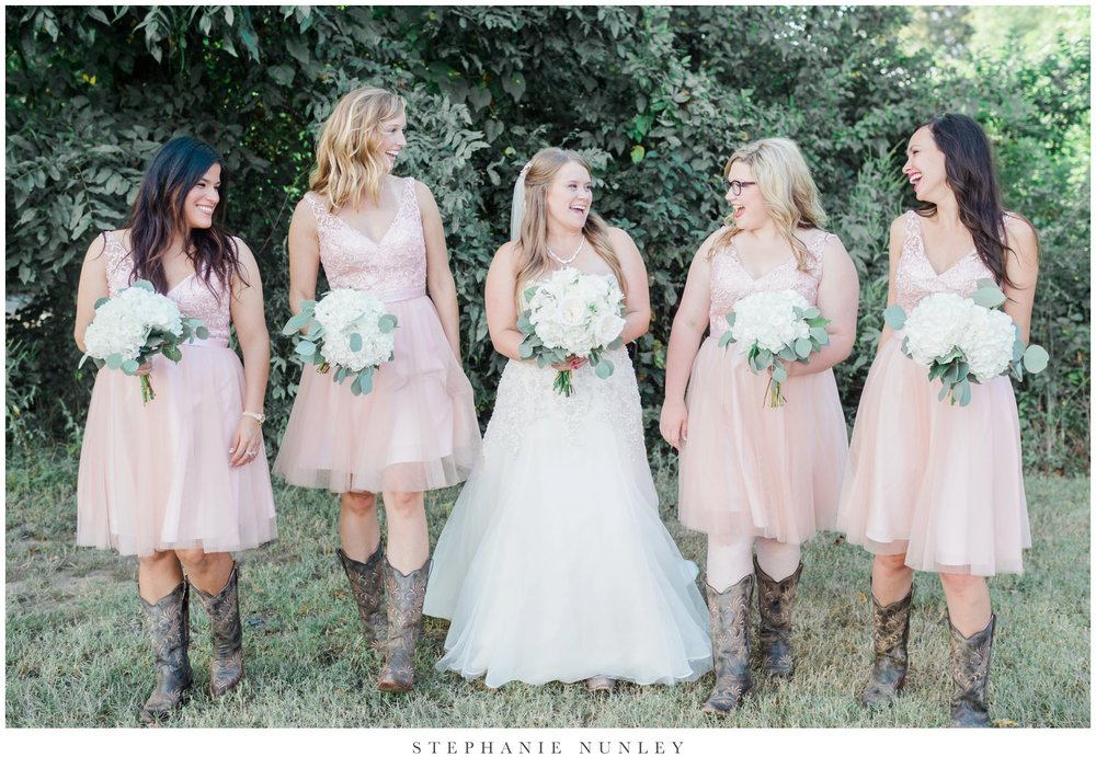 blue-and-blush-arkansas-wedding-0036.jpg