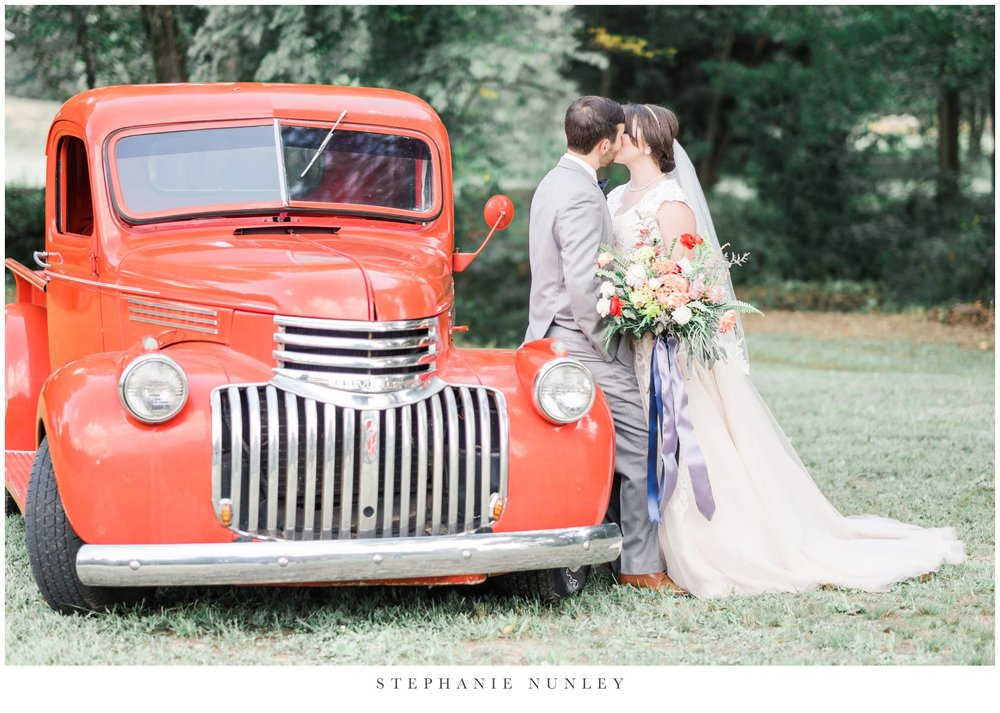 arkansas-wedding-with-lush-wildflower-bouquet-0078.jpg