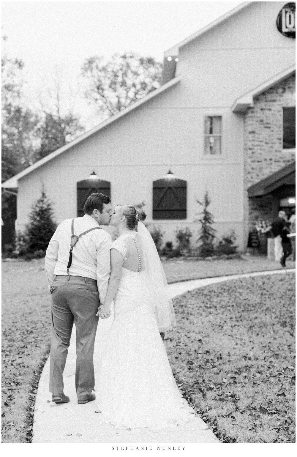 loft-at-stone-oak-arkansas-wedding-photos-0055.jpg