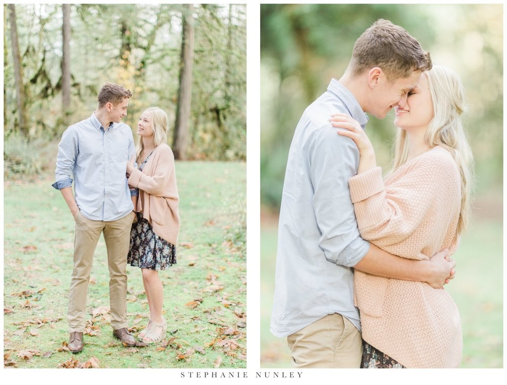 lewisville-park-washington-engagement-photos-002.jpg
