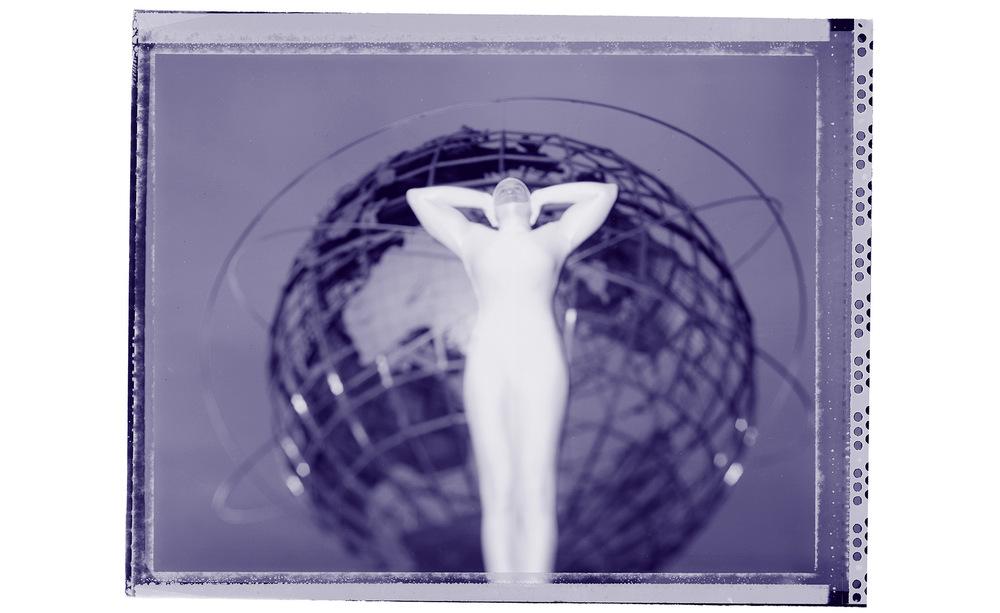 Unisphere-Girl.jpg