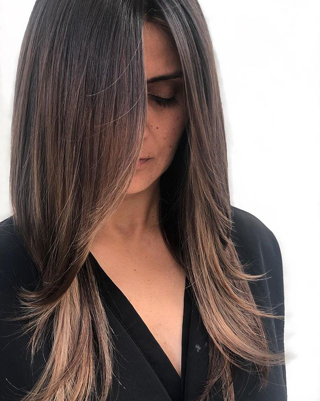 My clients make my hair creations look good 🥥🍫🙅🏽♀️ // Cut & Color: @chelseamhair . . . @newvintagebeautylounge @saulinosmithsalon @behindthechair_com @olaplex @wellahairusa @modernsalon . . . #brunettebalayage #hairoftheday #hairbrained #balayage #highlights #dimensionalbrunette #chelseamhair #newvintagebeautylounge #saulinosmithsalon #pdx #pdxhair #portland #portlandhair #portlandhairsalon #portlandbalayage #bronde #womensfashion #portlandfashion #santamonica #santamonicapier #wella #olaplex #framar #longlayers #portlandcolorist #pdxartist #pdxhairstylist #portlandoregon