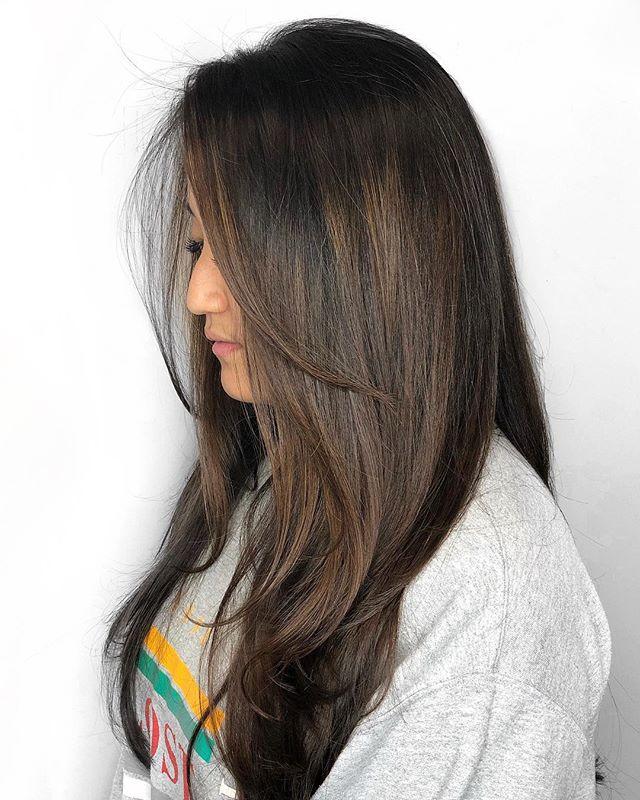 Serious hair envy right here 💃🏻 // Color & Cut: @chelseamhair . . . @saulinosmithsalon @wellahair @hairbrained_official @behindthechair_com @modernsalon . . . #chelseamhair #newvintagebeautylounge #saulinosmithsalon #portland #venicehairstylist #portlandbeauty #portlandhairstylist #colorspecialist #portlandcolorist #blondespecialist #blonde #iceblonde #ashblonde #santamonicahairstylist #pdxhairstylist #santamonica #balayage #highlights #babylights #ombre #rootsmudge #hairbrained #maneinterest #hairinspo #behindthechair #americansalon #fashion #brunette #brunettebalayage #maneaddicts