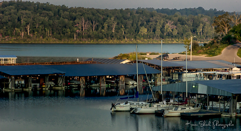 Pontiac_Cove_Marina_on_Bull_Shoals_Lake.jpg