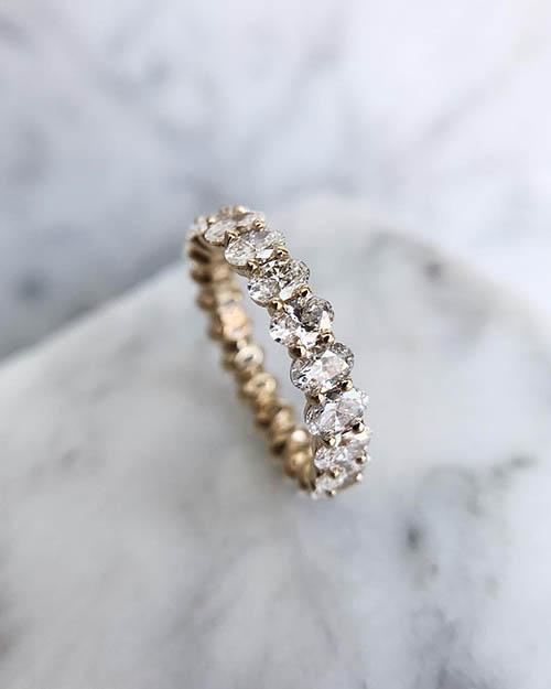oval cut diamond wedding band