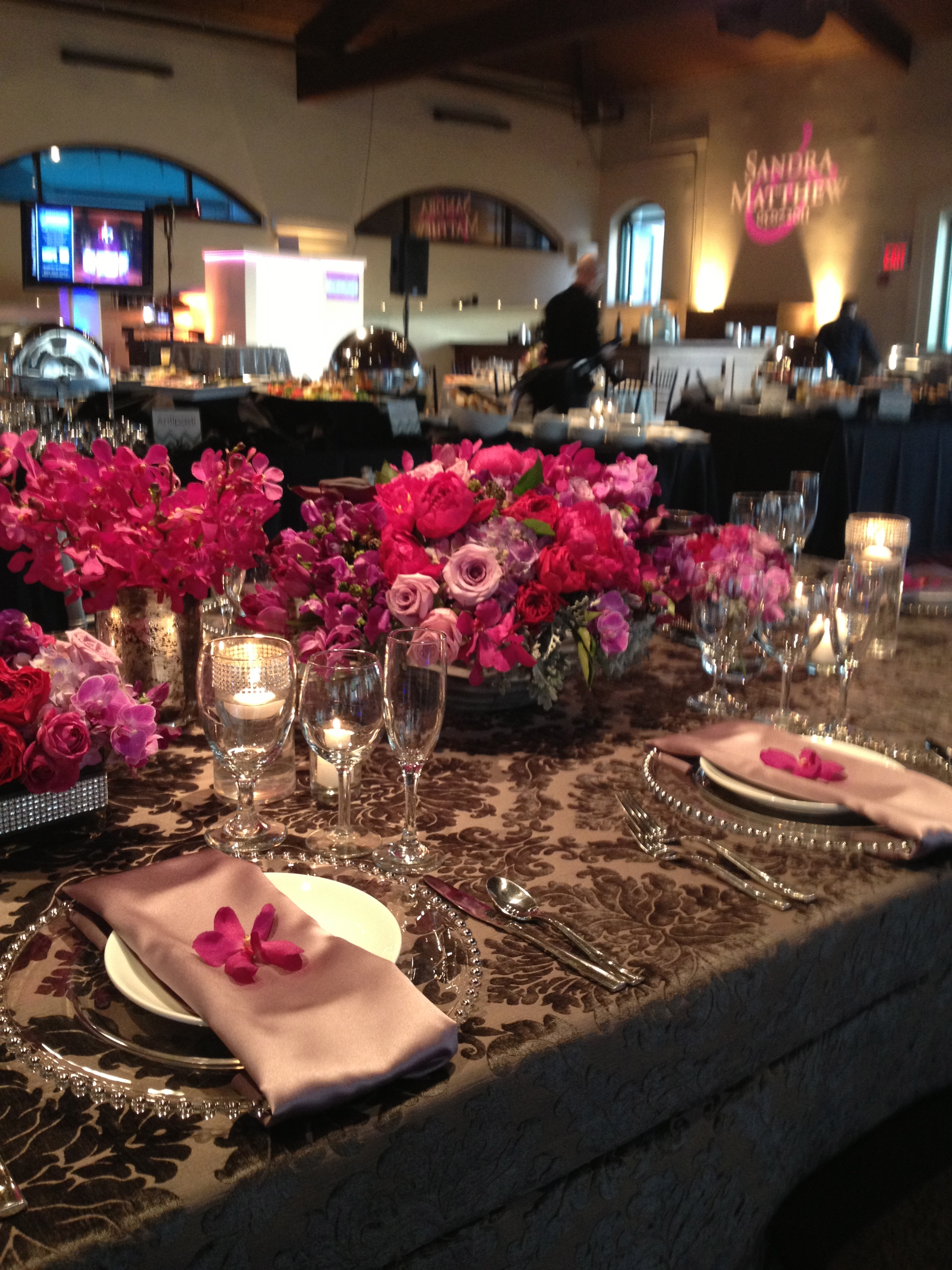 A Grand Kings TableBlushMagentas The Flower House - King's table restaurant